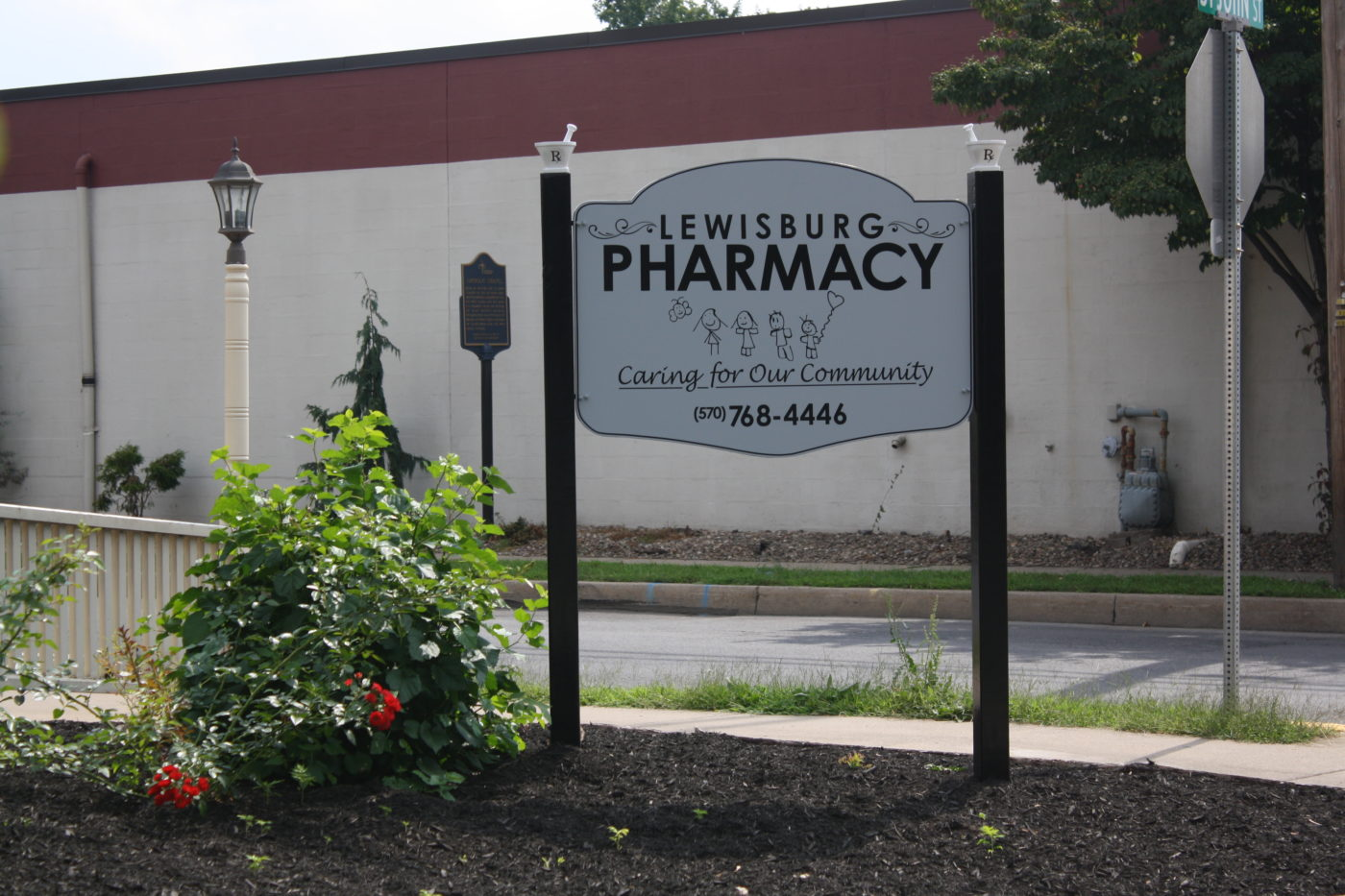 Lewisburg Pharmacy Sign